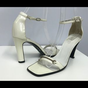 ❤️SOLD❤️ Gucci off White Waxed Sandals SZ 7 1/2